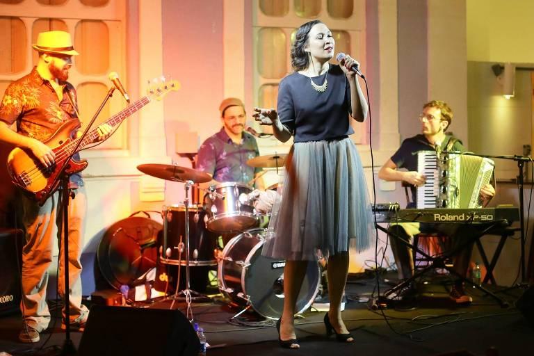 O grupo franco-brasileiro de jazz Quartier Latin toca nesta terça