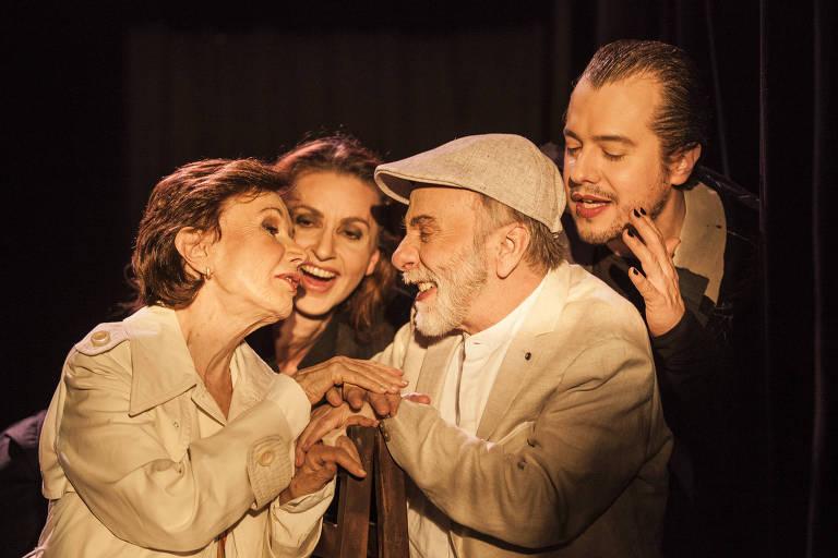 Peça 'Romeu e Julieta 80', com Renato Borghi e Miriam Mehler