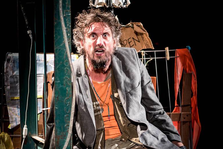 """O ator Luiz Machado é protagonista da peça """"Nefelibato"""""""