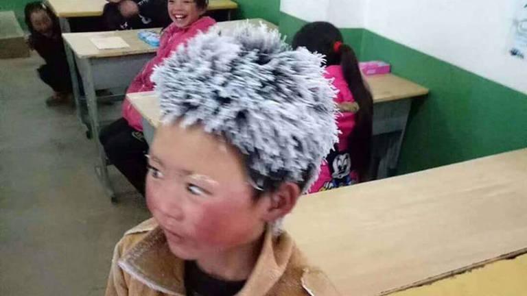 A imagem de Wang com os cabelos e sobrancelhas congeladas viralizaram depois que um professor decidiu compartilhar as fotos com um site chinês