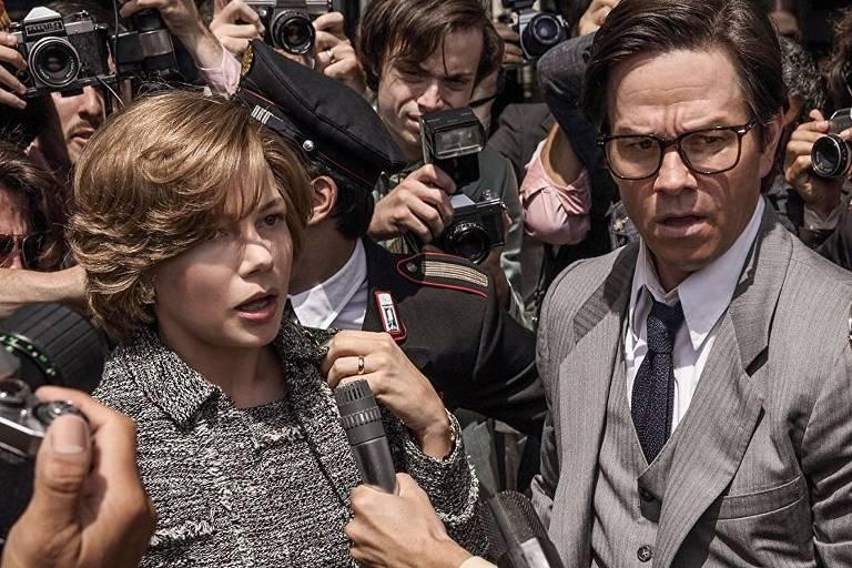 Michelle Williams e Mark Wahlberg em cena de 'Todo Dinheiro do Mundo