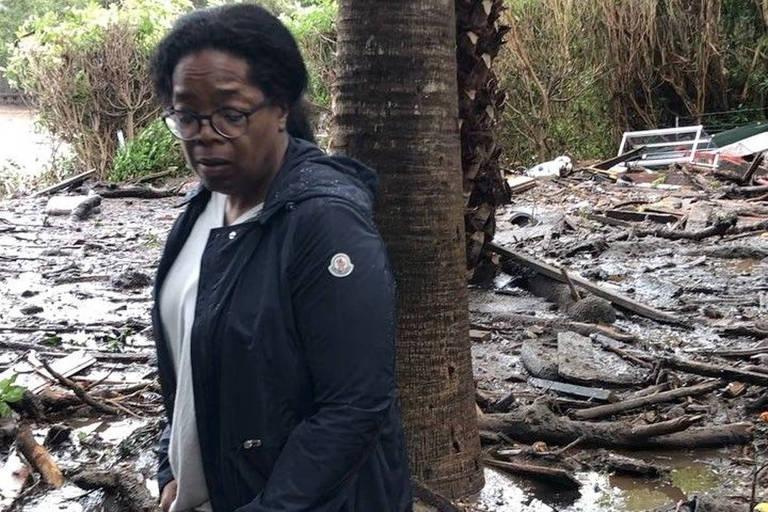 Oprah fez um vídeo mostrando o quintal de sua casa, destruído pelos deslizamentos na Califórnia