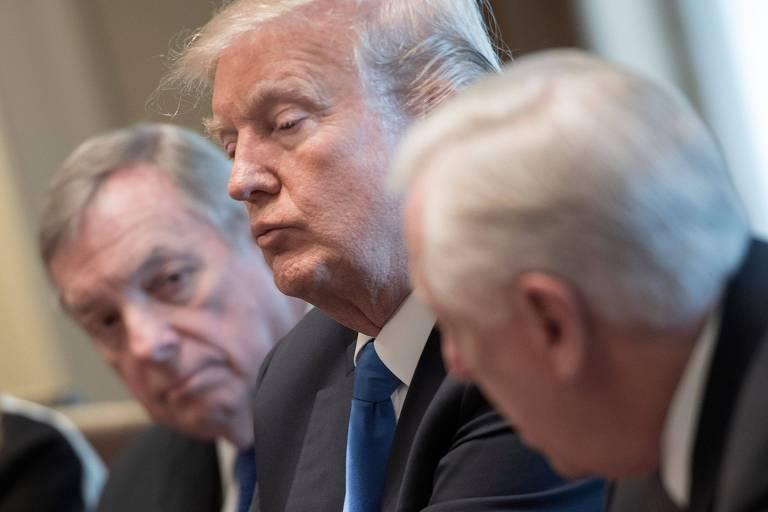 O presidente Donald Trump se reúne na Casa Branca com membros do Senado sobre imigração
