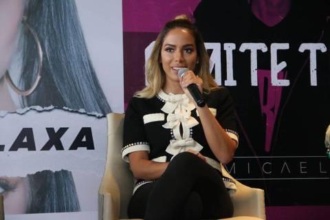 Anitta faz coletiva de imprensa no hotel Hilton se lançando como empresária de Micael e Clau na tarde desta sexta (12) DIREITOS RESERVADOS. NÃO PUBLICAR SEM AUTORIZAÇÃO DO DETENTOR DOS DIREITOS AUTORAIS E DE IMAGEM
