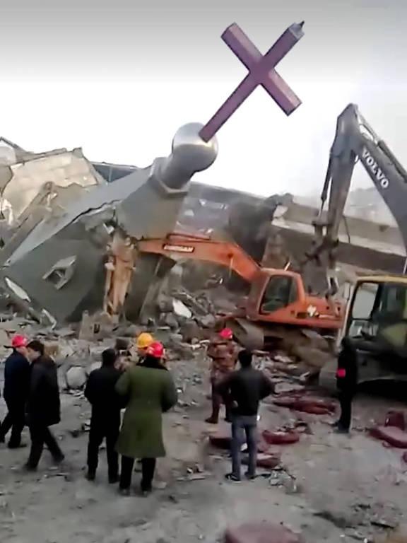 Imagem divulgada pela associação cristã americana China Aid Association mostra a igreja Jindengtai, em Linfen, após ser destruída