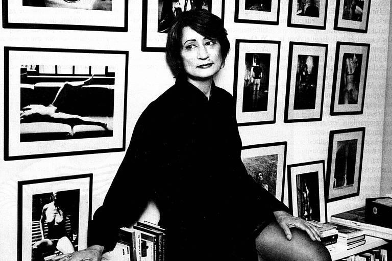 Imagem de arquivo mostra Catherine Millet em seu escritório, com a parede recheada de nus dela; abaixo, foto de 2014