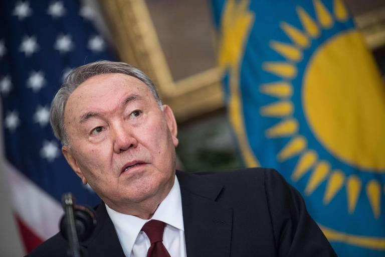 O ditador do Cazaquistão, Nursultan Nazarbayev, visita o presidente dos EUA, Donald Trump, na Casa Branca