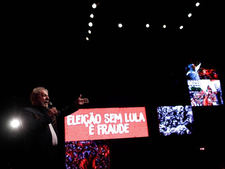 Lula em ato em defesa de sua candidatura, no Rio – Ricardo Moraes/Reuters