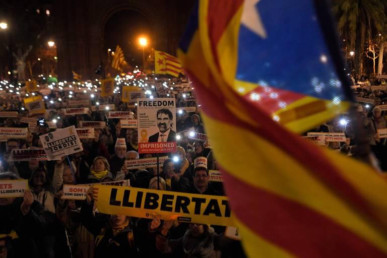 Manifestação em Barcelona pede a libertação dos políticos separatistas presos
