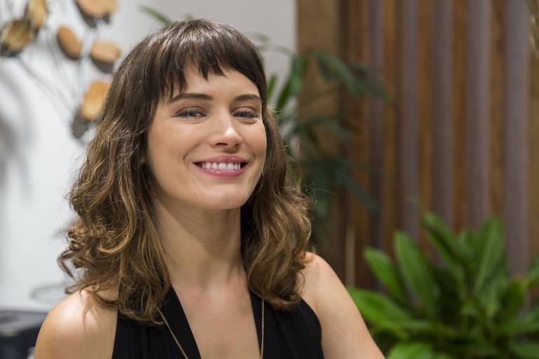 """Bianca Bin como Clara de """"O Outro Lado do Paraíso"""" (Globo)"""