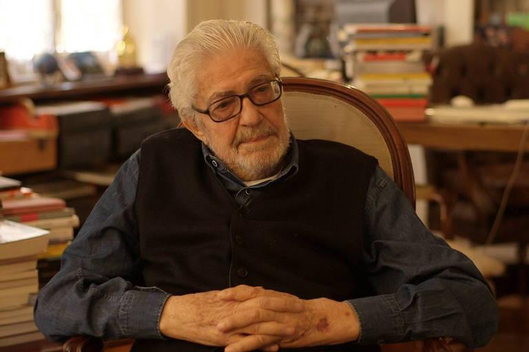 O Diretor Ettore Scola em entrevista a ser transmitida pelo canal Arte 1