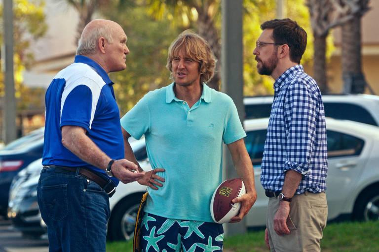 Os atores Terry Bradshaw, Owen Wilson e Ed Helms em 'Correndo Atrás de um Pai'