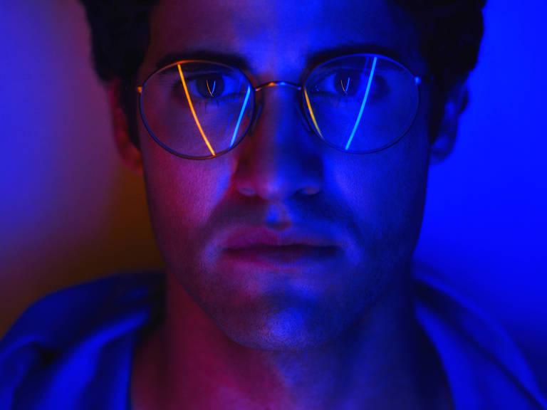 """Darren Criss em cena de """"O Assassinato de Gianni Versace"""" – Reprodução"""