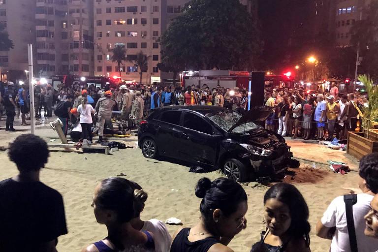 A polícia investiga o que aconteceu dentro do carro que atropelou pelo menos 17 pessoas em Copacabana