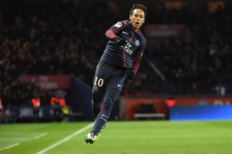 Neymar em jogo entre o Paris Saint-Germain e o Dijon, em Paris