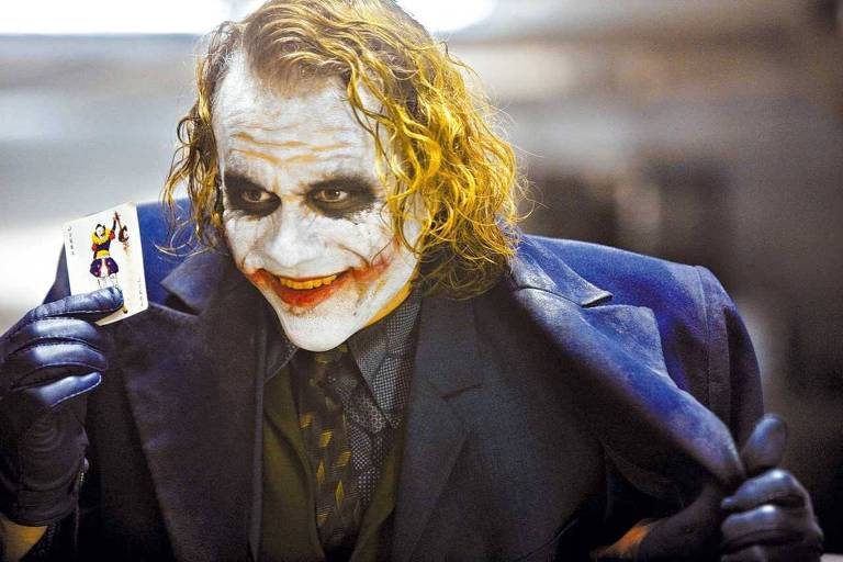 "Heath Ledger interpreta o Coringa no filme ""Batman - O Cavaleiro das Trevas"""