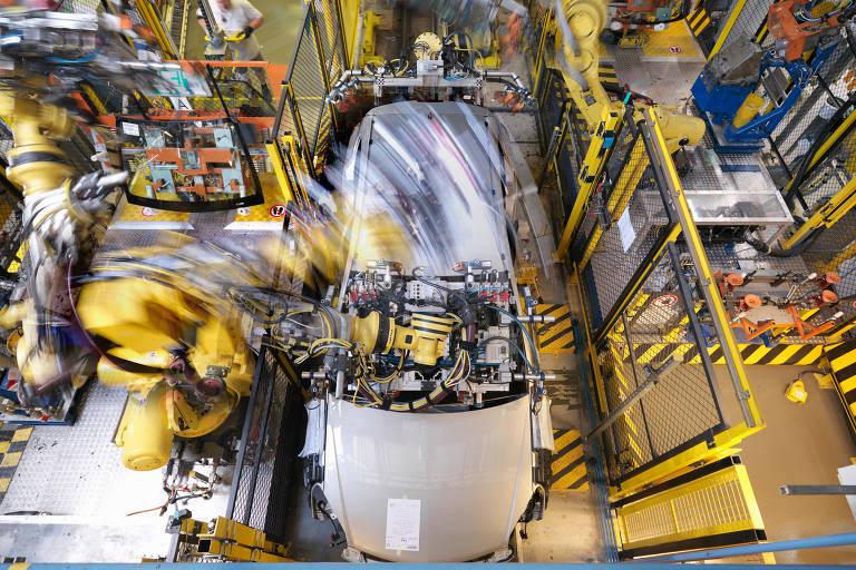 Alugue um robô: a nova resposta do Vale do Silício à escassez de mão de obra em pequenas fábricas dos EUA