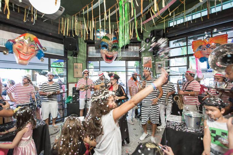 O bar Pirajá promove o tradicional grito de Carnaval