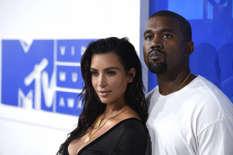 Kim Kardashian e Kanye West no MTV Video Music Awards em Nova York, em 2016
