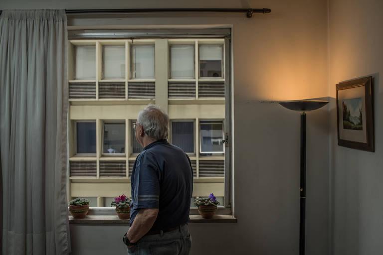 Aos 65 anos, a dependência do álcool de Roberto N., 77 ficou clara