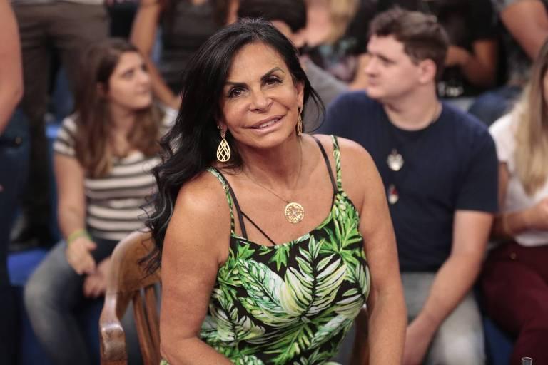 """A cantora Gretchen no programa """"Altas Horas"""", de Serginho Groisman"""