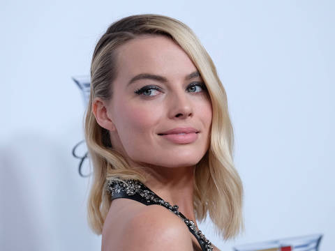 Margot Robbie arrives at the 2018 Annual Producers Guild Awards Presented By Cadillac on January 20, 2018, in Beverly Hills, California. / AFP PHOTO / CHRIS DELMAS ORG XMIT: 01
