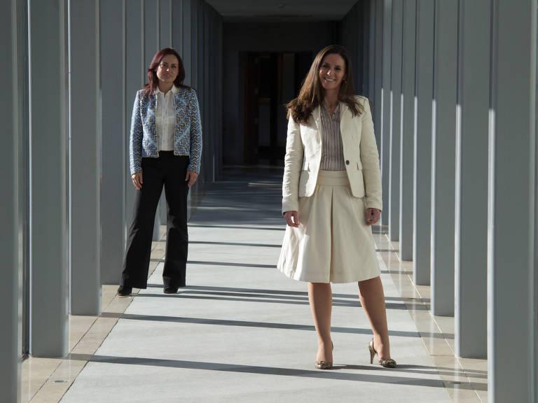 As empresárias brasileiras Liliani Wietcovsky (esq) e Paula Mendes (dir) estão aquecendo o mercado português com serviços que já existem no Brasil, mas não em Portugal – Fernando Donasci/Folhapress