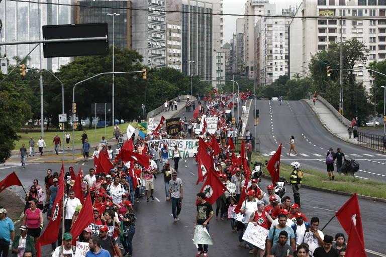 Frentes Brasil Popular e Povo Sem Medo lançam manifesto e querem apoio de Basta, Juntos e Somos
