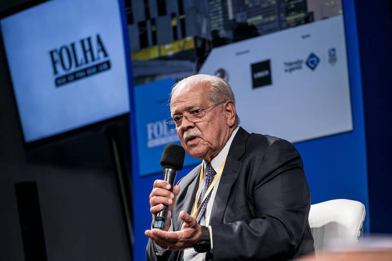O ex-ministro e ex-governador César Borges, presidente da ABCR, durante seminário da Folha, em janeiro de 2018