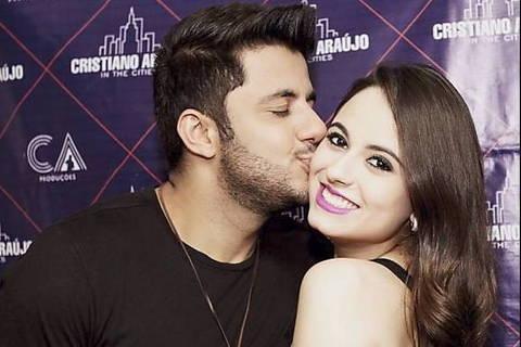 Cristiano Araújo e a namorada em foto do Instagram  ***  ****