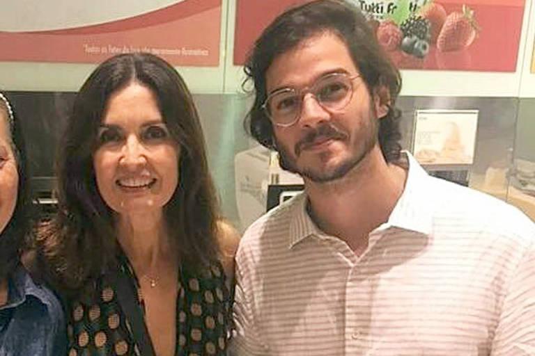 Depois de alguns dias com os filhos, Beatriz e Vinícius Bonemer, em Jericoacoara, no Ceará, Fátima Bernardes seguiu para o Recife, terra do namorado, Túlio Gadêlha