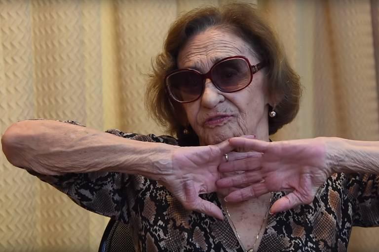 Laura Cardoso durante entrevista a Antonia Fontenelle
