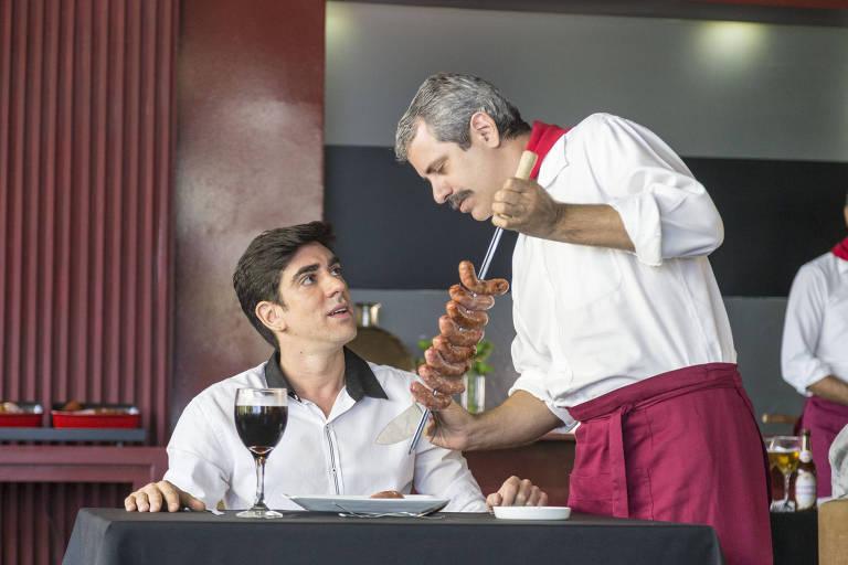 Marcelo Adnet e Mauricio Rizzo em esquete de 'Tá no Ar: a TV na TV'