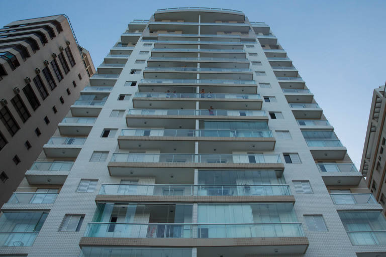 Fachada do edifício Solaris, em Guarujá; posse do tríplex do prédio é atribuída ao ex-presidente Lula