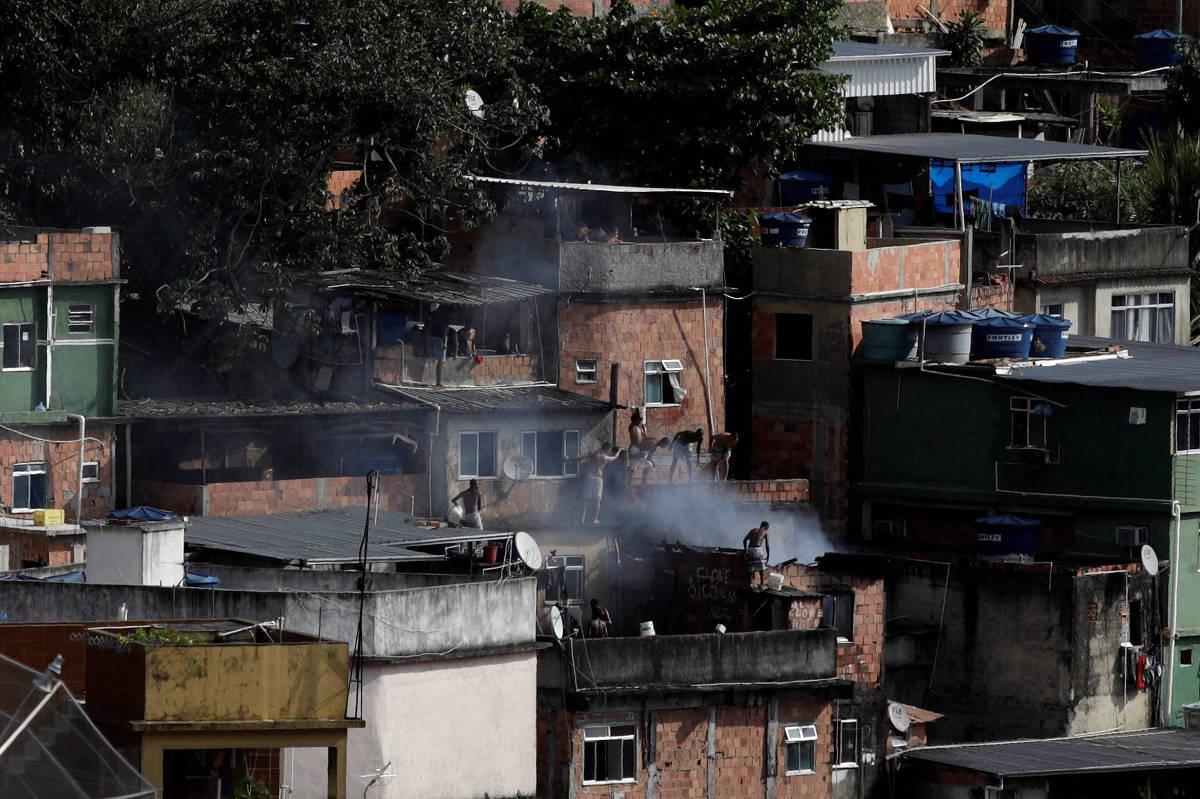 Tiroteio na Rocinha mata PM e morador, e RJ tem 3 policiais mortos em 1 dia
