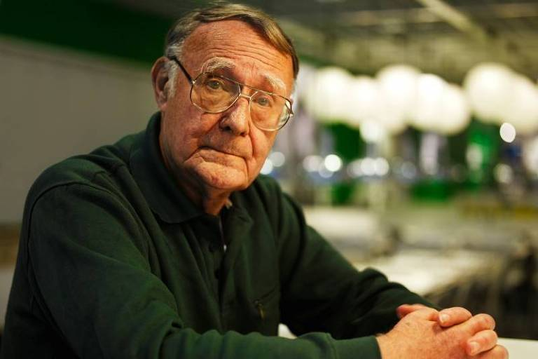 (FILES) This file photo taken on August 6, 2002 shows Ikea founder Ingvar Kamprad posing outside the furniture giants headquarters in Almhult, southern Sweden. Ingvar Kamprad, the enigmatic founder of Swedish furniture giant IKEA, died aged 91 on Sunday, the company said. / AFP PHOTO / Claudio BRESCIANI
