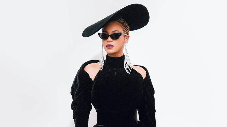 Beyoncé publica foto com seu look para o Grammy 2018