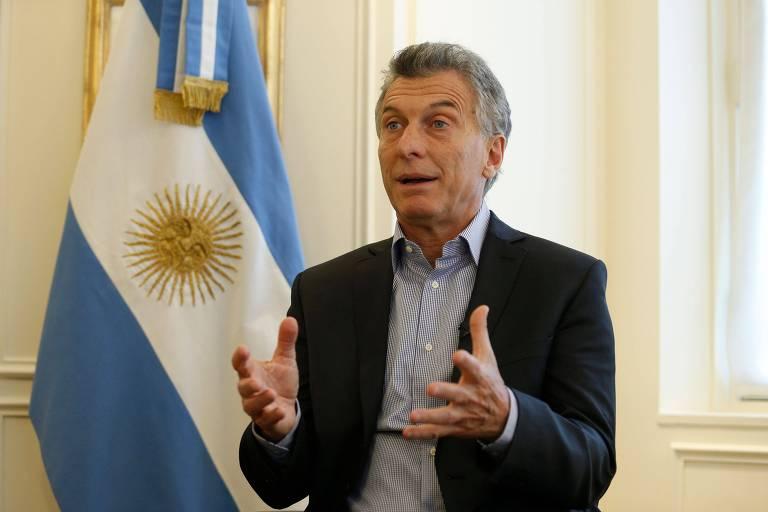 O presidente da Argentina, Mauricio Macri, dá entrevista em hotel em Paris