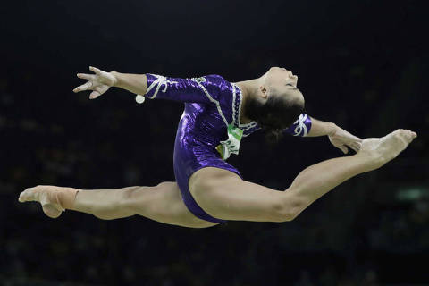 Brazil's Flavia Saraiva performs on the balance beam during the artistic gymnastics women's apparatus final at the 2016 Summer Olympics in Rio de Janeiro, Brazil, Monday, Aug. 15, 2016. (AP Photo/Rebecca Blackwell) ORG XMIT: OGYM313