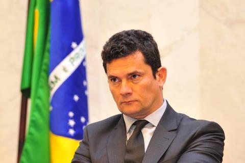 Moro defende apuração sobre pagamentos de ex-assessor de Flávio Bolsonaro