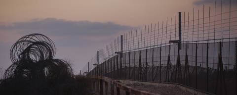 Jerusalem, Israel. 15/08/2017. ESPECIAL MUROS. Cerca de separacao na Cisjordania proximo ao povoado de Elkana. ( Foto: Lalo de Almeida/ Folhapress ) MUNDO ***EXCLUSIVO FOLHA***