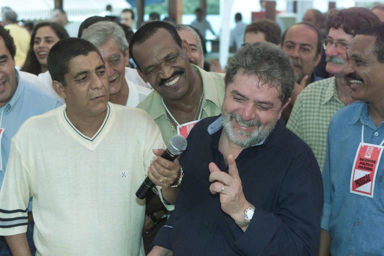 Lula em roda de samba na casa de Zeca Pagodinho em Xerém, na Baixada Fluminense (RJ)