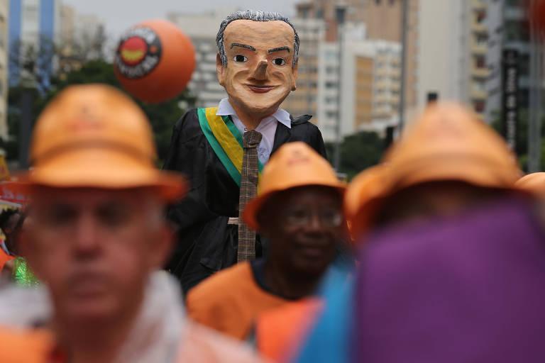 Aposentados fazem protesto na avenida Paulista contra reforma da Previdência