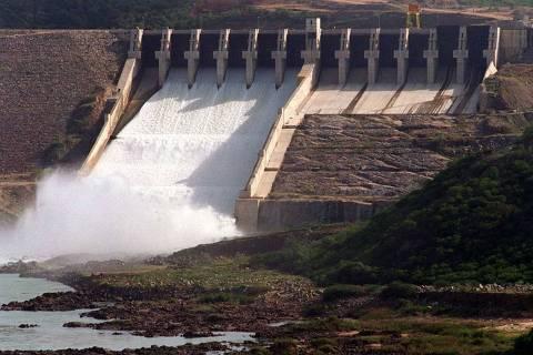 ORG XMIT: 445501_0.tif Barragem da Usina Hidrelétrica de Xingó. (Divisa entre Alagoas, AL, e Sergipe, SE, 21.05.1995. Foto: Paulo Giandália/Folhapress)
