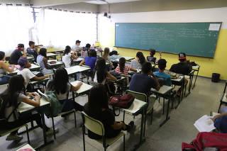 Sala de aula da E.E. Antônio Vieira de Souza, em Guarulhos/SP