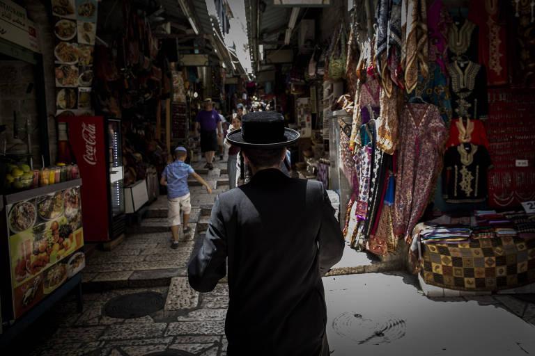 Adriane Galisteu indica viagem para Jerusalém: 'Senti paz na cidade'