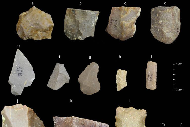 Instrumentos de pedra relativamente sofisticados, com cerca de 350 mil anos