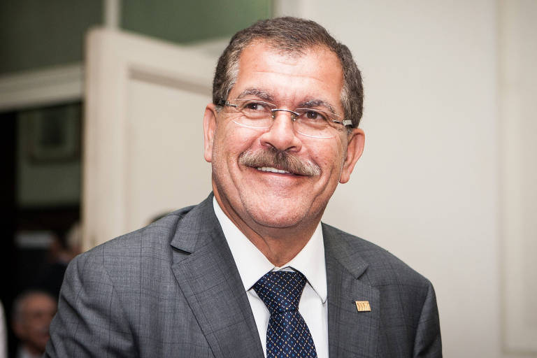 O vice-presidente do STJ, ministro Humberto Martins sorrindo