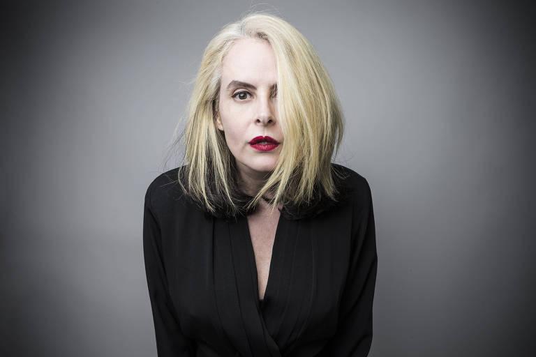 Retrato de Fernanda Young, escritora, atriz, roteirista e apresentadora de televisão brasileira