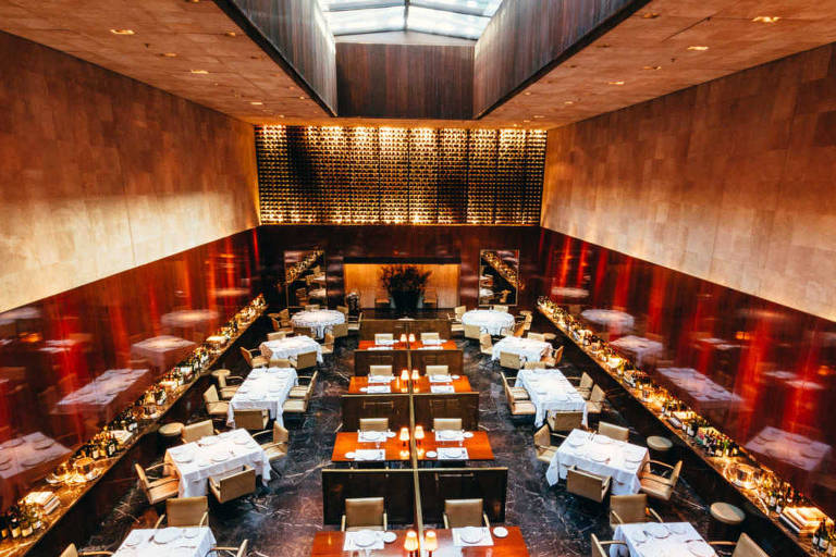 Salão do restaurante Fasano, uma das mais importantes grifes da alta gastronomia paulistana, que começou sua história em 1902
